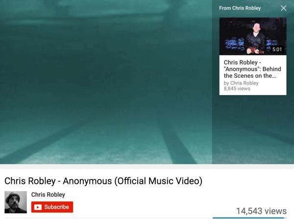Chris Robley thêm thẻ YouTube vào video của mình để khuyến khích người xem xem nhiều nội dung của anh ấy hơn.